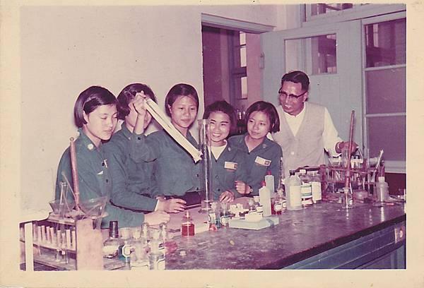 1970化學科展準備.jpg