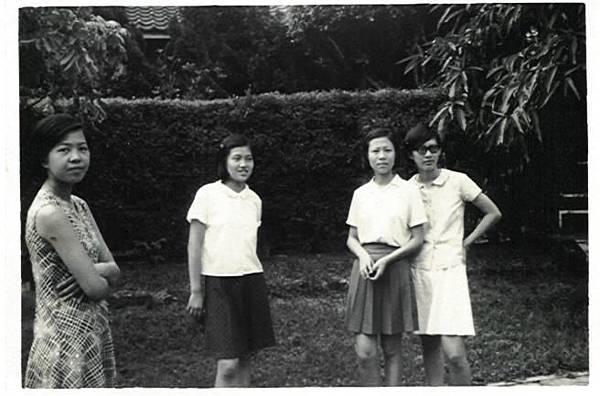 1971.07-2(畢業旅行-高雄).jpg