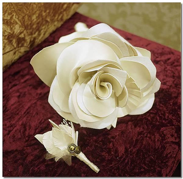 新娘捧花和新郎胸花.jpg