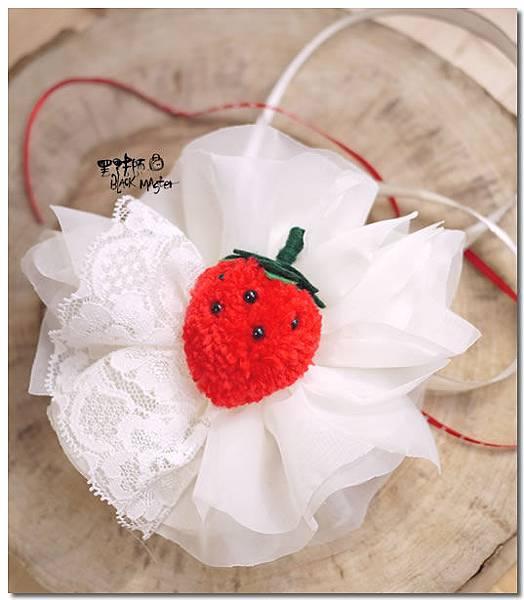 新娘手腕花 香蕉&草莓.jpg