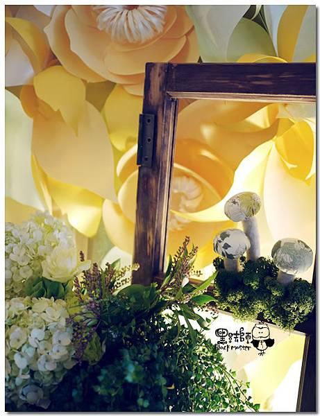 清新黃綠x紙花森林風 婚禮佈置 相簿桌05.jpg