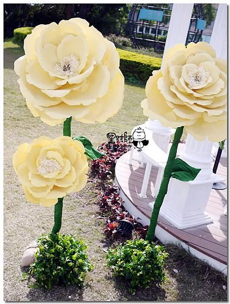 清新黃綠x紙花森林風 婚禮佈置 證婚亭大朵紙花佈置.jpg