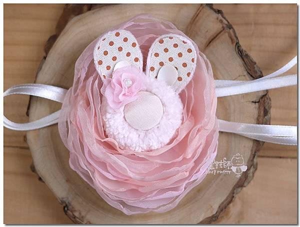 粉色兔子手腕花  佩芬.jpg