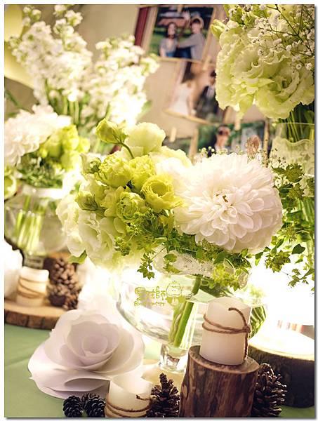 白綠色調X清新自然風婚禮 相簿桌01.jpg