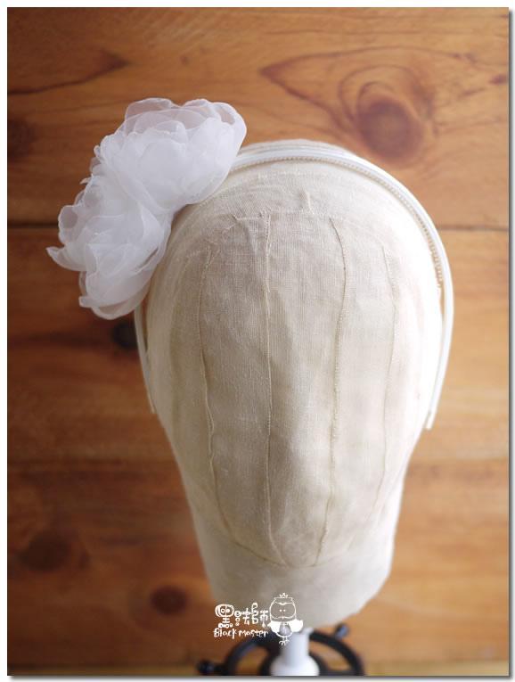白色紗花髮箍貳 01.jpg