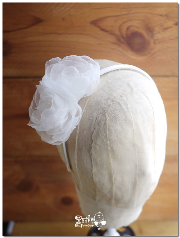 白色紗花髮箍貳 02.jpg