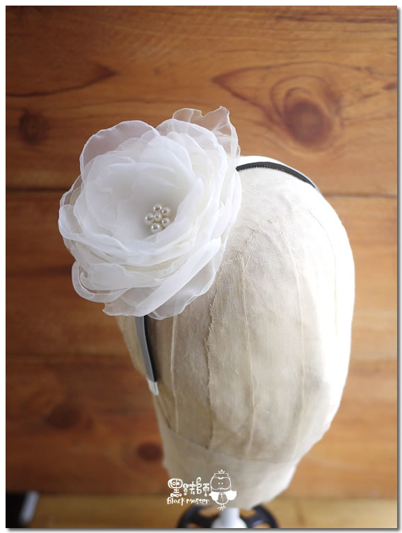 白色紗花髮箍壹 02.jpg