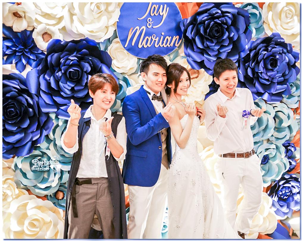 寶石藍X閃耀金 沉穩時尚華麗紙花婚禮 Jay%26;Marian 05.jpg