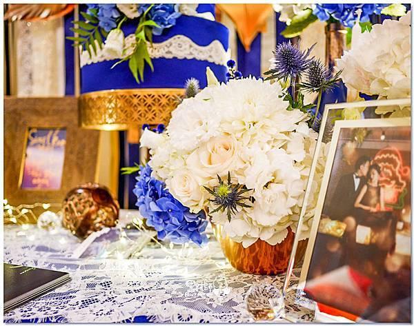 寶石藍X閃耀金 沉穩時尚華麗紙花婚禮 Jay&Marian 相簿桌01.jpg