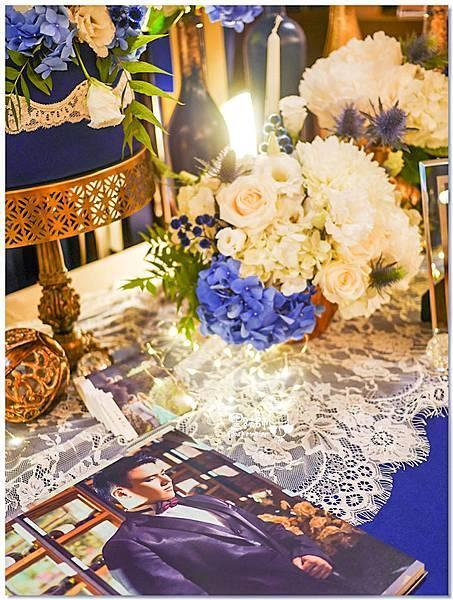 寶石藍X閃耀金 沉穩時尚華麗紙花婚禮 Jay%26;Marian 相簿桌03.jpg