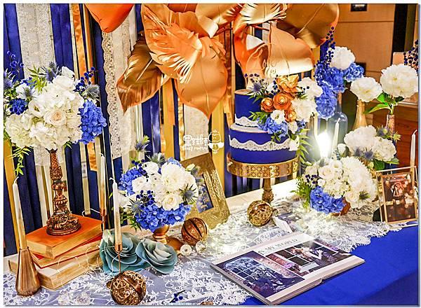 寶石藍X閃耀金 沉穩時尚華麗紙花婚禮 Jay%26;Marian 相簿桌08.jpg