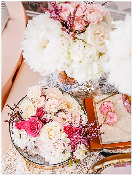 高貴典雅的紙花婚佈  Yu Chen%26;Tiffany 收禮桌01.jpg