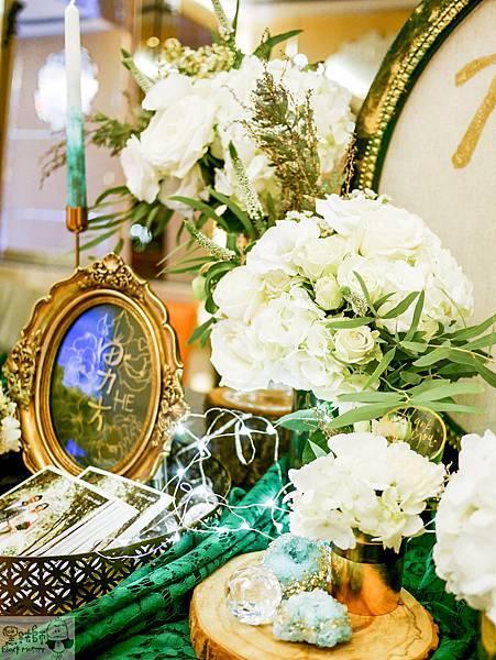 白綠金紙花x自然華麗風 婚禮佈置 收禮桌 孟原%26;思穎 03.jpg