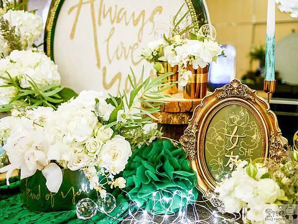 白綠金紙花x自然華麗風 婚禮佈置 收禮桌 孟原%26;思穎 06.jpg