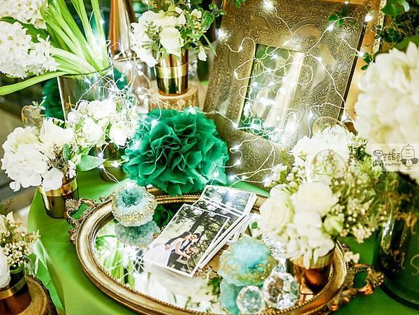 白綠金紙花x自然華麗風 婚禮佈置 相簿桌 孟原%26;思穎 02.jpg