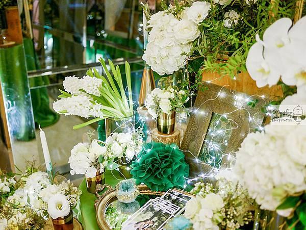 白綠金紙花x自然華麗風 婚禮佈置 相簿桌 孟原%26;思穎 05.jpg