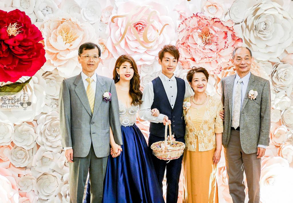 白粉色的優雅x紙花婚禮佈置 Kenny%26;Eliza 06.jpg