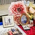絢爛華麗色調x紙花婚佈 收禮桌 黃先生&黃太太 01.jpg