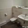 很大很讚的廁所