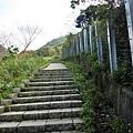 沒想到600公尺全都是樓梯+上坡