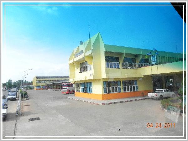 蘇叻他尼公車站.jpg