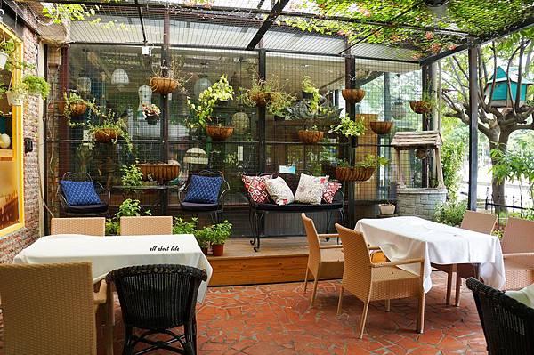 1403411419 3870863851 n - [熱血採訪]台中吃到飽 吉凡尼的花園 樂活的蔬食早午餐 甜點好好吃
