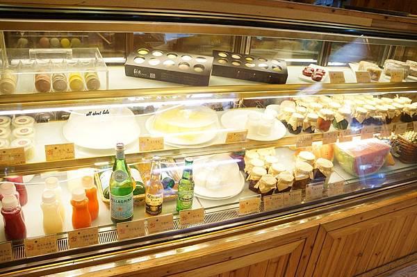 1403411674 2222112314 n - [熱血採訪]台中吃到飽 吉凡尼的花園 樂活的蔬食早午餐 甜點好好吃