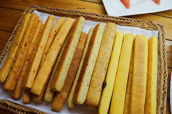 1403422950 1748732075 n - [熱血採訪]台中吃到飽 吉凡尼的花園 樂活的蔬食早午餐 甜點好好吃