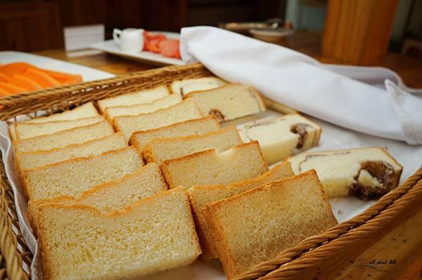 1403423089 901023875 n - [熱血採訪]台中吃到飽 吉凡尼的花園 樂活的蔬食早午餐 甜點好好吃