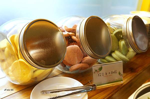 1403423286 2404761255 n - [熱血採訪]台中吃到飽 吉凡尼的花園 樂活的蔬食早午餐 甜點好好吃