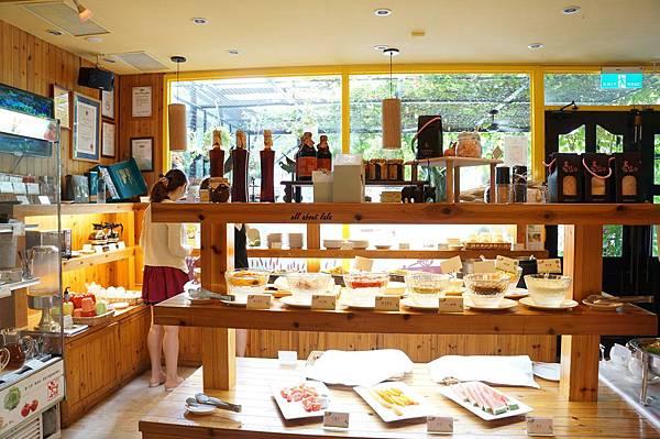 1403423417 1907749464 n - [熱血採訪]台中吃到飽 吉凡尼的花園 樂活的蔬食早午餐 甜點好好吃