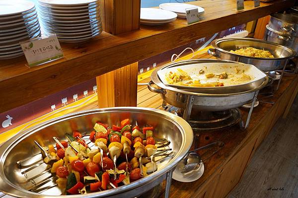 1403424501 2668611193 n - [熱血採訪]台中吃到飽 吉凡尼的花園 樂活的蔬食早午餐 甜點好好吃