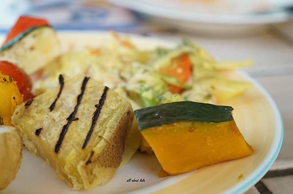 1403425222 3742567559 n - [熱血採訪]台中吃到飽 吉凡尼的花園 樂活的蔬食早午餐 甜點好好吃