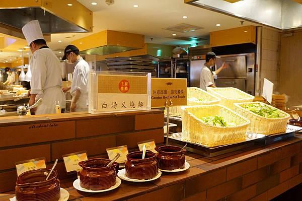 1421762012 1268090398 n - 台中吃到飽餐廳推薦 漢來海港餐廳 海鮮控 甜點控的愛~聚餐 同學會 謝師宴 請客都推薦