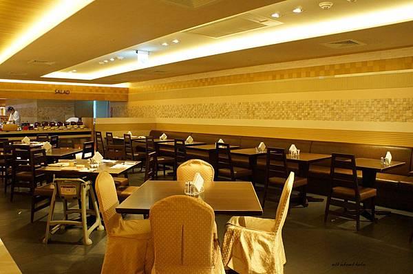 1421762036 2359701956 n - 台中吃到飽餐廳推薦 漢來海港餐廳 海鮮控 甜點控的愛~聚餐 同學會 謝師宴 請客都推薦