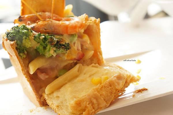 1421897530 617063187 n - 【熱血採訪】台中平價義大利麵餐廳推薦 NU PASTA(向心店) 焗烤 吐司盒子也很推 外帶更方便便