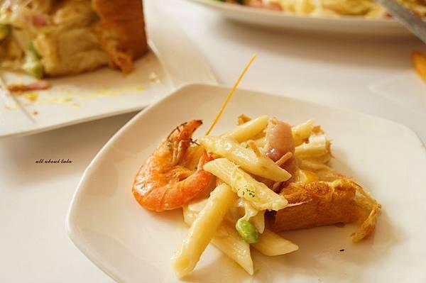 1421897533 2798465578 n - 【熱血採訪】台中平價義大利麵餐廳推薦 NU PASTA(向心店) 焗烤 吐司盒子也很推 外帶更方便便