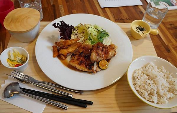 1423016140 601602515 n - 台中餐廳推薦 青木和洋食彩AOKI 好日式風的餐食 日式炸物 漢堡排大推薦 聽說甜點也不賴