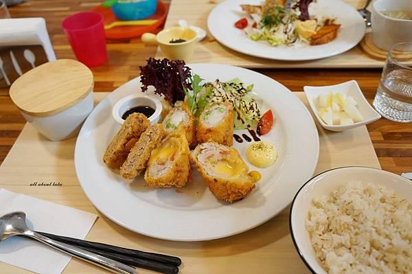 1423016150 2781982902 n - 台中餐廳推薦 青木和洋食彩AOKI 好日式風的餐食 日式炸物 漢堡排大推薦 聽說甜點也不賴