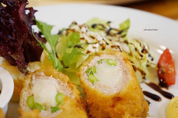 1423016152 683015071 n - 台中餐廳推薦 青木和洋食彩AOKI 好日式風的餐食 日式炸物 漢堡排大推薦 聽說甜點也不賴