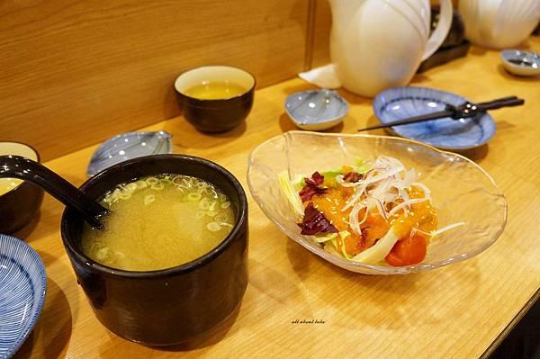 1438431457 4204954659 n - 台中 桀壽司日本料理 公益路上平價的無菜單套餐 生意超好需訂位