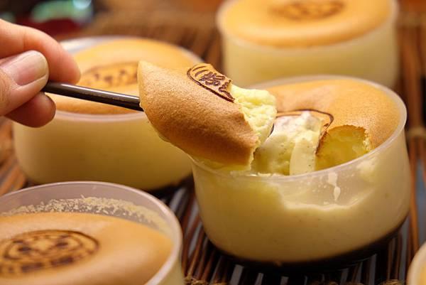 1439195183 894759299 n - 台中乳酪蛋糕 [熱血採訪]久久津乳酪菓子手造所 道南半熟乳酪蛋糕超香濃美味 大推薦 還有布丁燒