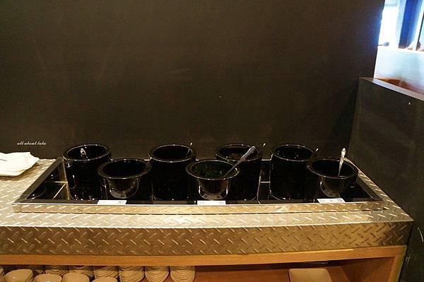 1441242440 2941387163 n - [熱血採訪]台中霧峰新餐廳 In the pot 鍋裡。鍋物 工業風設計的平價質感火鍋