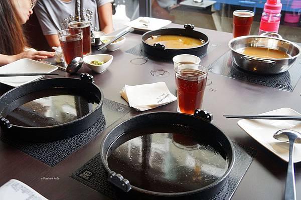 1441242448 1449264354 n - [熱血採訪]台中霧峰新餐廳 In the pot 鍋裡。鍋物 工業風設計的平價質感火鍋