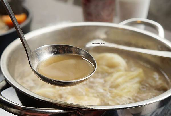 1441242512 2031825559 n - [熱血採訪]台中霧峰新餐廳 In the pot 鍋裡。鍋物 工業風設計的平價質感火鍋