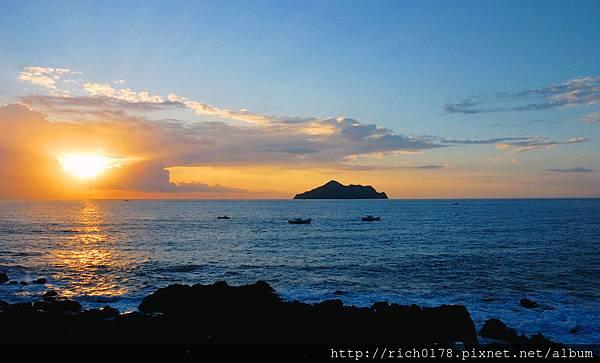 遠眺龜山島-日出