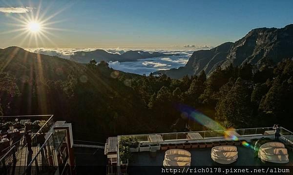 3.阿里山賓館頂樓為遊客最佳觀賞雲海美景位置