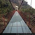 彩虹玻璃透明吊橋.jpg