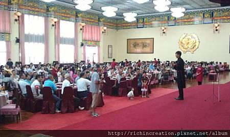 賴柏承_百貨商業同業公會健行大會.jpg