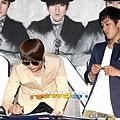 SH-120509簽名會-47